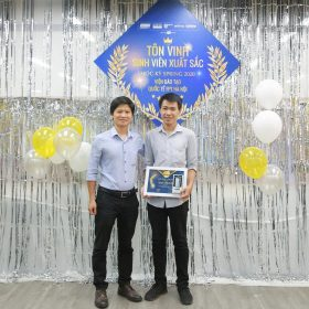 Hành trình từ Á Quân cuộc thi công nghệ đến danh hiệu Sinh viên Xuất sắc