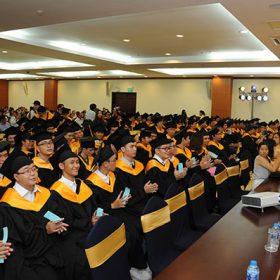 Viện đào tạo Quốc tế FPT vinh danh 3 Tân thủ khoa đầy triển vọng