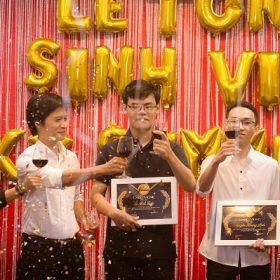 Cảm xúc dâng trào của đại gia đình FAI trong buổi lễ tôn vinh sinh viên xuất sắc kỳ Summer