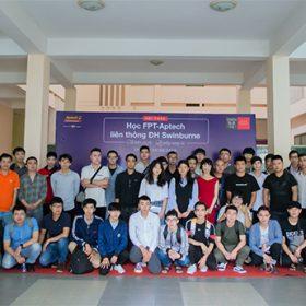"""Gần 50 học viên đăng ký nhập học trong buổi talkshow """"Học FPT – Aptech liên thông Đại học Swinburne"""""""