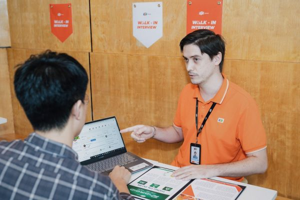 FPT-APTECH-hon-1000-ung-vien-dang-ky-tuyen-dung-walk-in-interview-tai-fpt-software