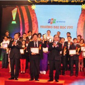 ĐH FPT giành cú đúp giải thưởng Sao khuê 2012 về đào tạo nhân lực CNTT
